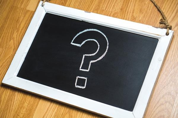 Interrogação representando a pergunta pr que